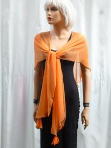 Foulard cache-cœur  transformable mousseline orange uni bordé de noir